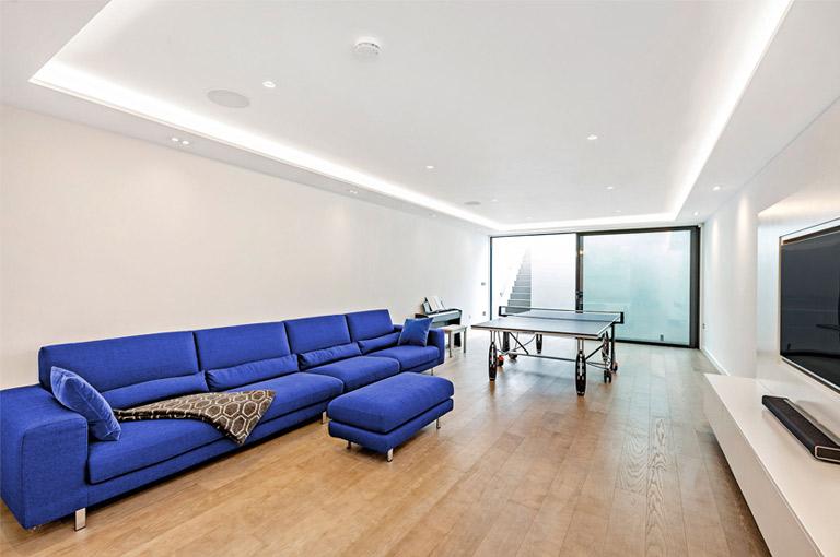 basement-blue